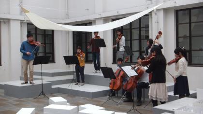 交響楽団による演奏
