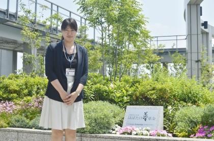 數田麻紀さんと夢基金モニュメント
